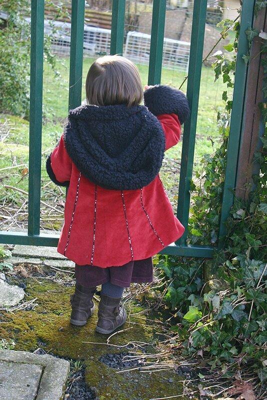 manteau féérique rouge porté1