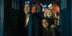 l'équipage dans le TARDIS
