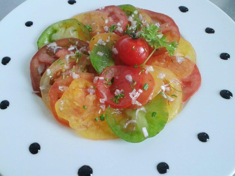 Salade de tomates à l'ancienne ( du chef Custos)