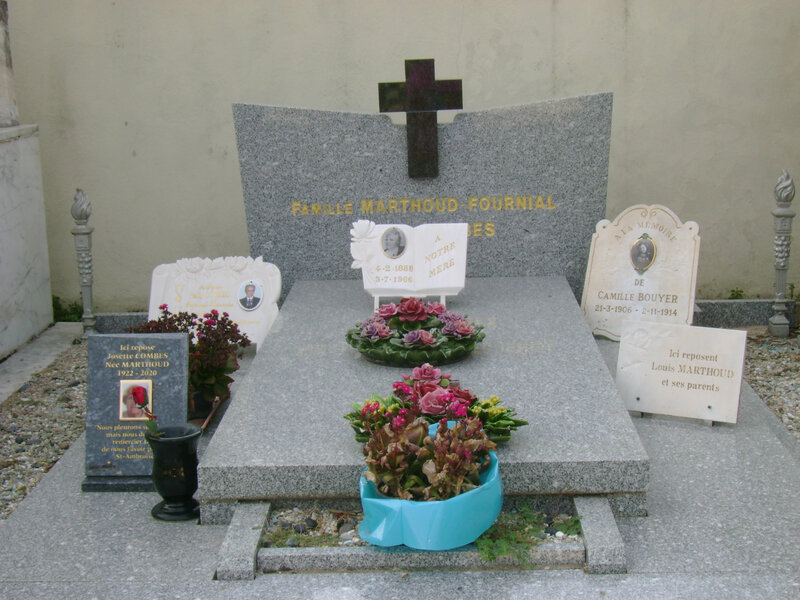 8 - Tombe de la famille Marthoud-Fournial-Combes