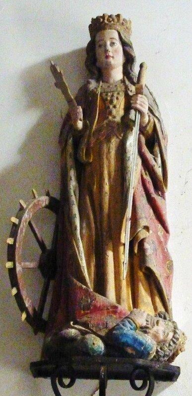 Carhaix_29_Chapelle_Sainte-Anne_statue_de_sainte_Catherine_d'Alexandrie