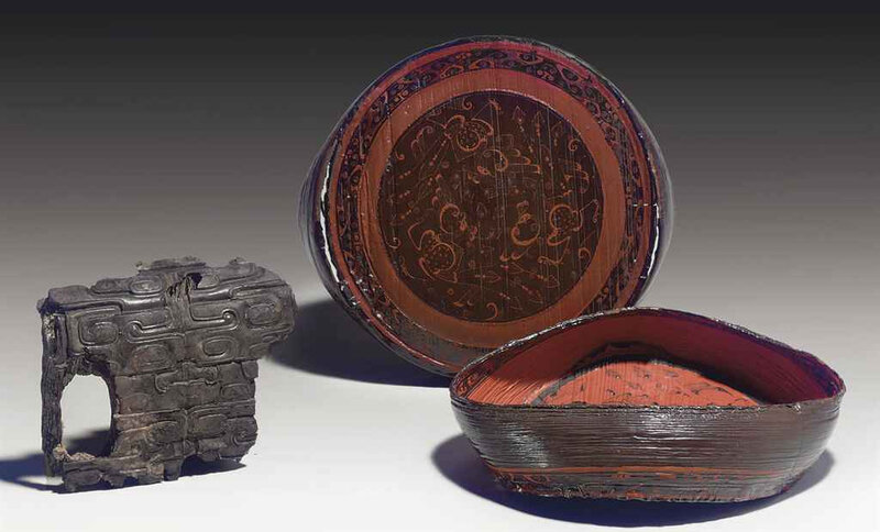 2011_NYR_02518_1212_000(a_rare_painted_lacquer_circular_box_and_cover_late_eastern_zhou_dynast)