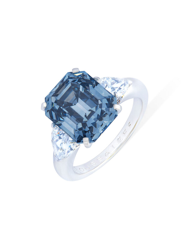 2019_GNV_17436_0246_008(exceptional_coloured_diamond_and_diamond_ring_moussaieff)