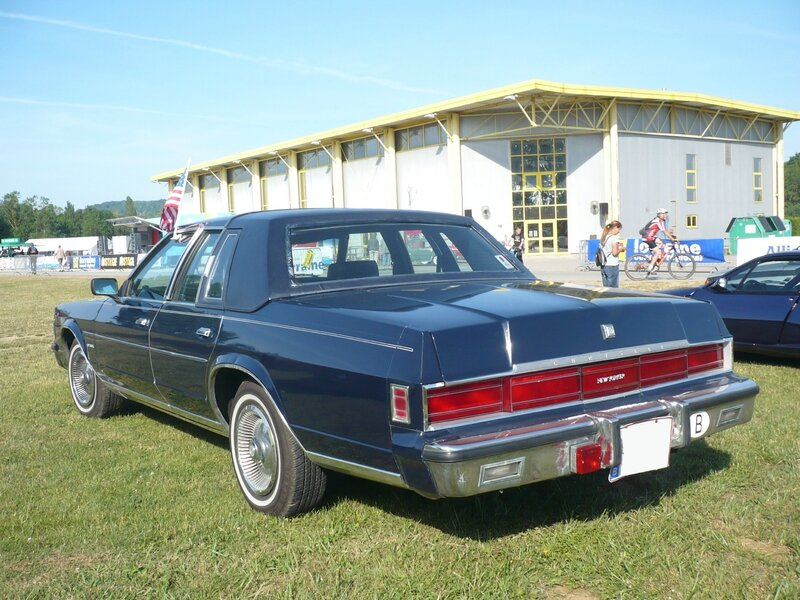 CHRYSLER New Yorker 4door Sedan 1979 Madine (2)