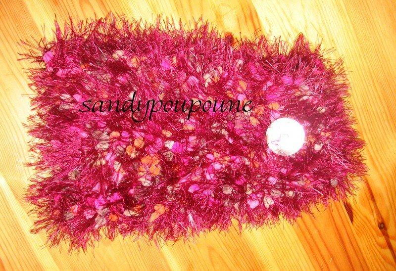 petite echarpe courte en laine phildar avec bouton de nacre je l