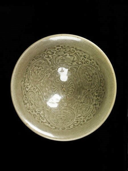 Bowl, moulded and glazed stoneware, Yaozhou ware, China, Northern Song dynasty (1000-1127)