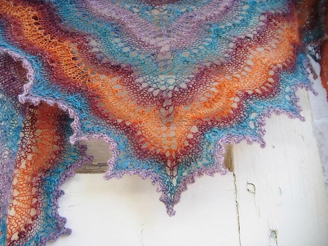 holden_shawlette_handspun_027_medium2