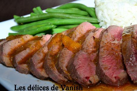 magret de canard-rosé-sauce à l'orange-riz-haricots verts