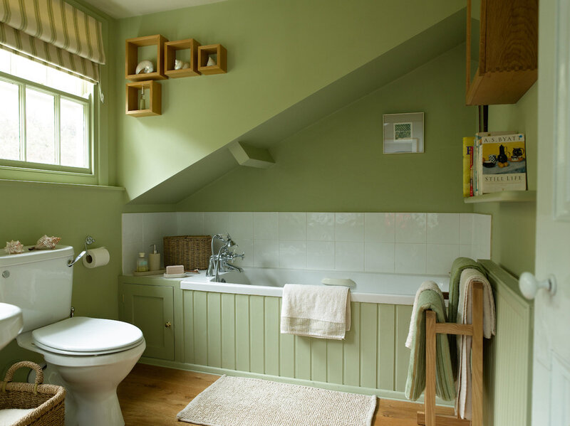 traditonal+style+bathroom+painted+in+Paint+and+Paper+Library+Artichoke+-+seaside+retreat