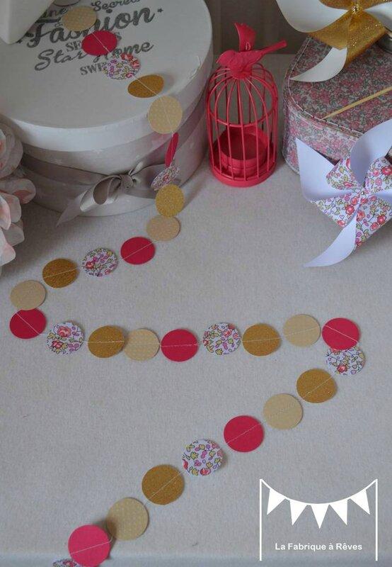 guirlande pastilles rondes liberty éloise rose fuchsia doré beige - décoration chambre enfant bébé fille liberty éloise rose fuchsia doré beige 2