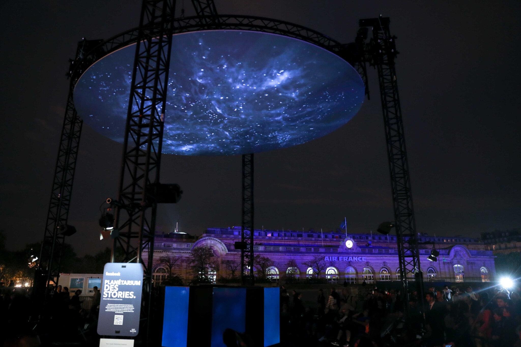 Nuit Blanche 2018 : le Planétarium des Stories par Facebook. © Michel Stoupak. Sam 06.10.2018, 19h05m38.