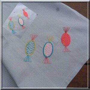serviette de table brodée 3 bonbons