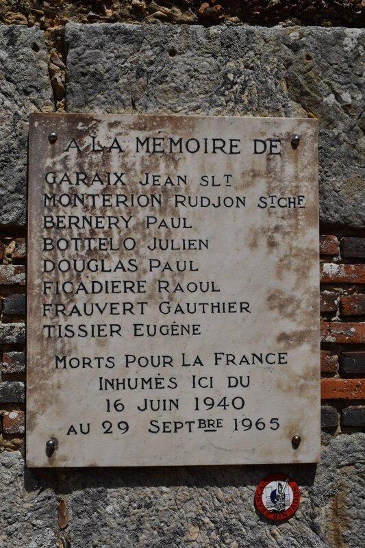 Plaque sur l'église de St Sauveur 3
