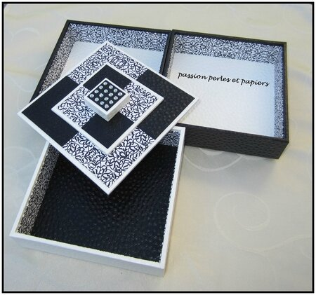 boîte 3 plateaux noire et blanche 4