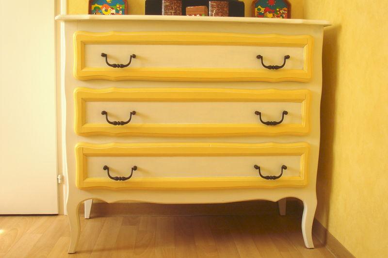 Commode jaune photo de f meubles repeints voyage dans mon univers cr atif - Photos de meubles repeints ...