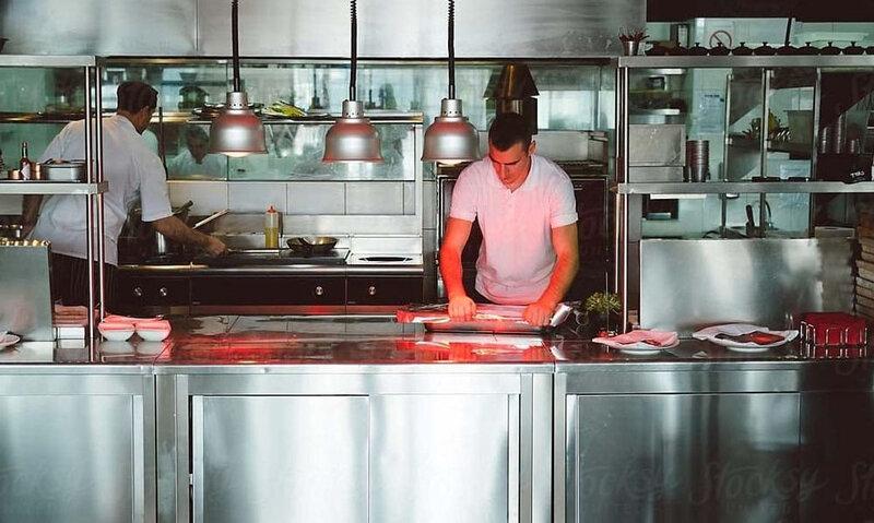 que-tener-en-cuenta-para-equipar-la-cocina-de-tu-primer-restaurante
