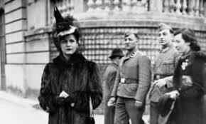 PARIS 1942 2