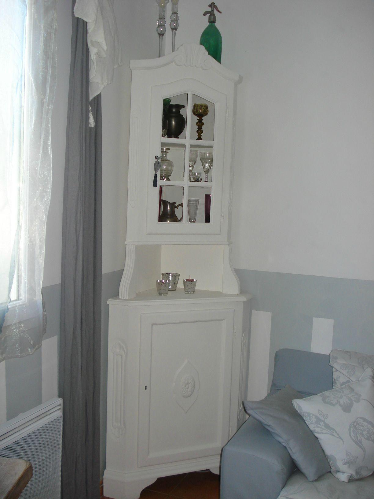 changement de d co de la partie jour 7 meuble d 39 angle. Black Bedroom Furniture Sets. Home Design Ideas