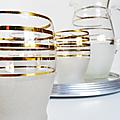 Vaisselle ... pichet verres et plateau miroir * granité & dorure
