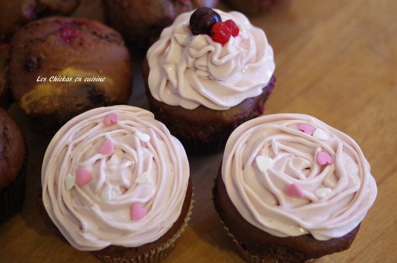 Cupcake chocolat fruits rouge_topping cersie (3)