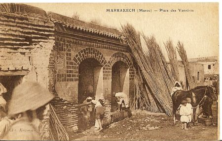 1265___MARRAKECH__Maroc__Place_des_Vanniers_Kricorian