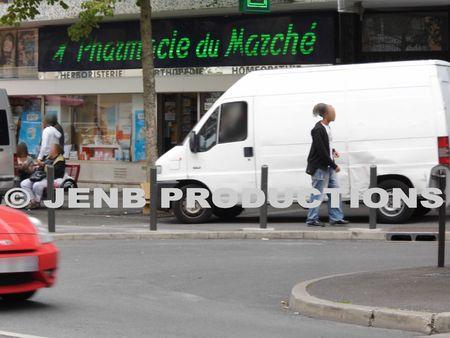 2012 09 17 Noisy-le-Sec véhicules sur trottoir Jean jaurès © JENB Productions (2b)