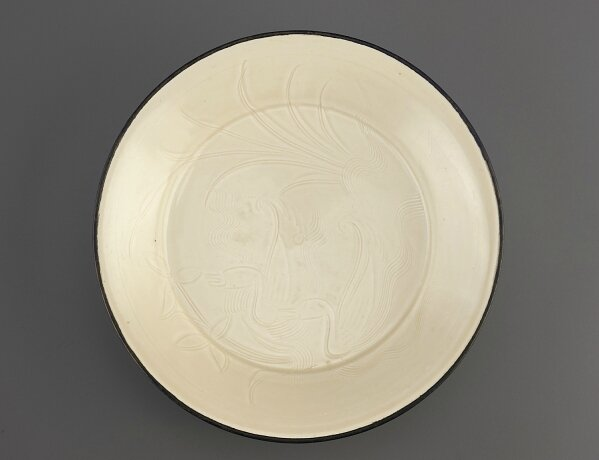 Ding ware dish with incised decoration of ducks, Northern Song dynasty, 11th-early 12th century, Freer Gallery of Art, F1963