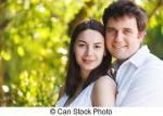 heureux-jeune-sourire-couple-dans-jour-été-image-sous-licence_csp13025565