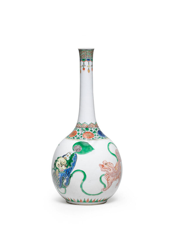 A large famille verte 'Buddhist lions' bottle vase, Kangxi period (1662-1722)