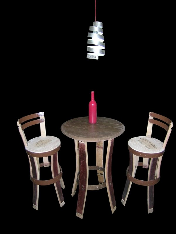 TABLE BISTRO,mobilier bistro,meuble cinema,mobilier pour le cinema,table ancienne,mobilier bistro chic,bistro ,eric daout,france 3 , france 3 aquitaine,barrique,tonneaux,meuble design,jean pierre stahl côté châteaux