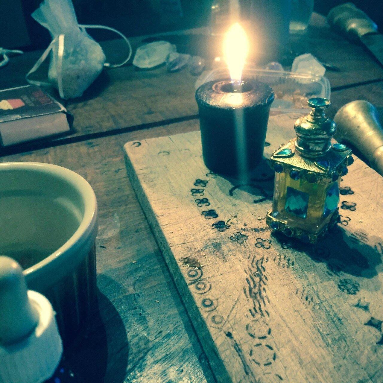 Huile magique pour bénir vos objets ou votre foyer