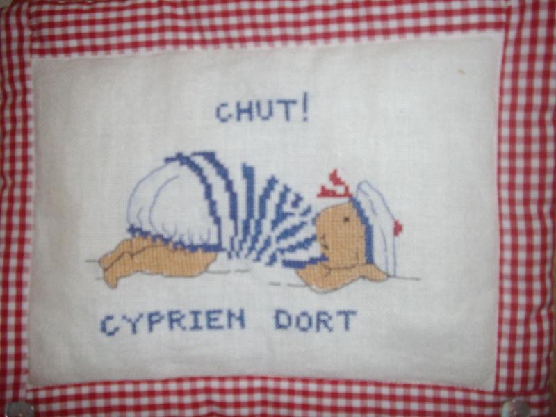 Chut ! Cyprien dort...