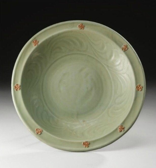 A 'Longquan ' celadon carved and fiscuit-decorated dish