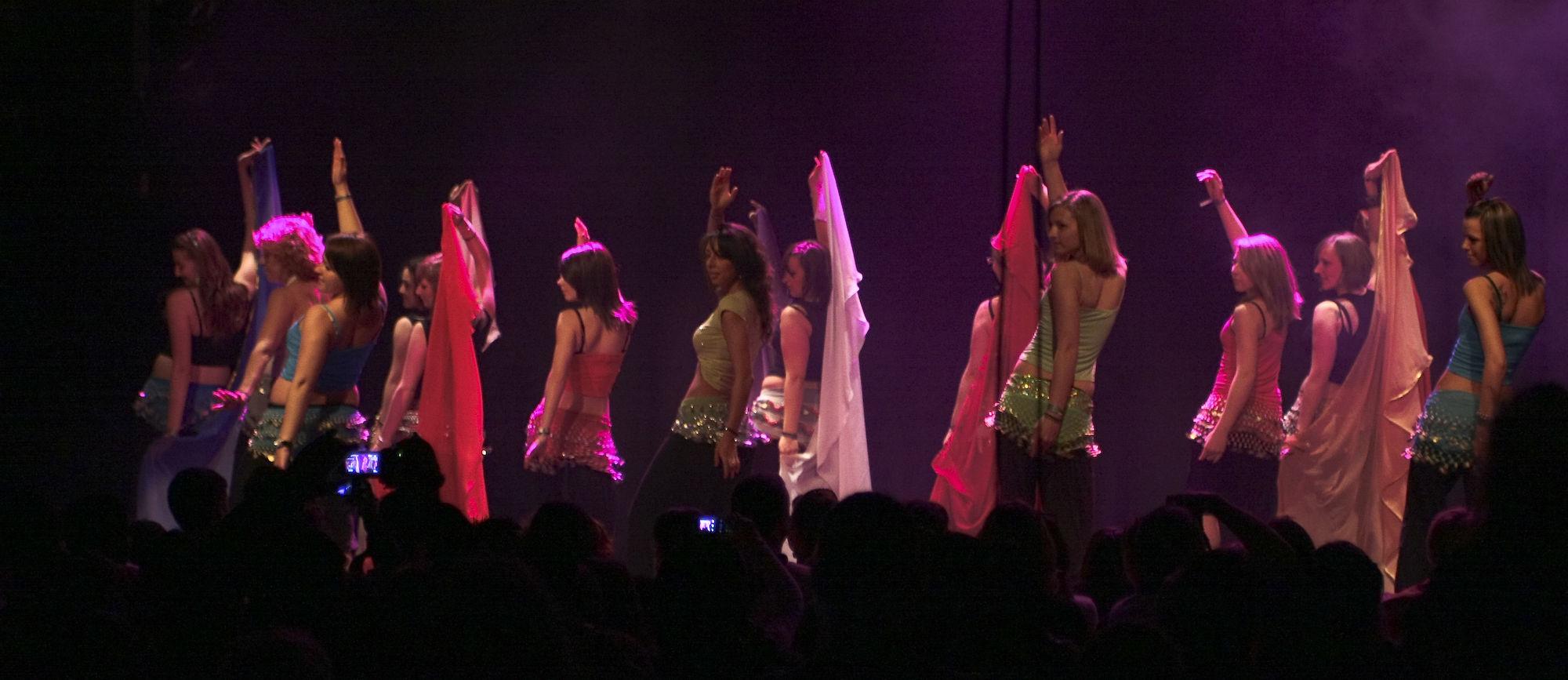 Atelier5-DanseOrientale-LeGrandMix-Quartiers2Lune2009-166