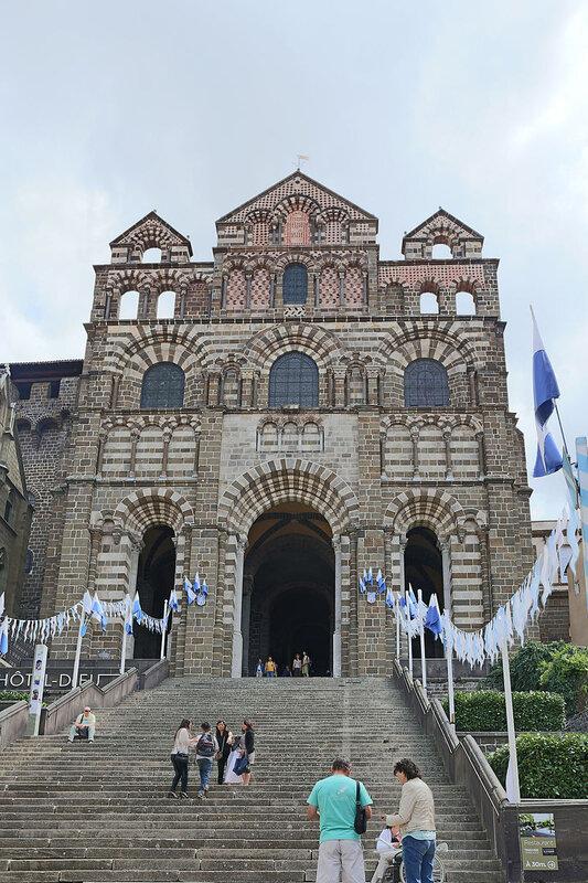 Le_Puy-en-Velay_-_Cathédrale_Notre-Dame-de-l'Annonciation_05