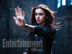 mortal-instruments-city-of-bones-lily-collins
