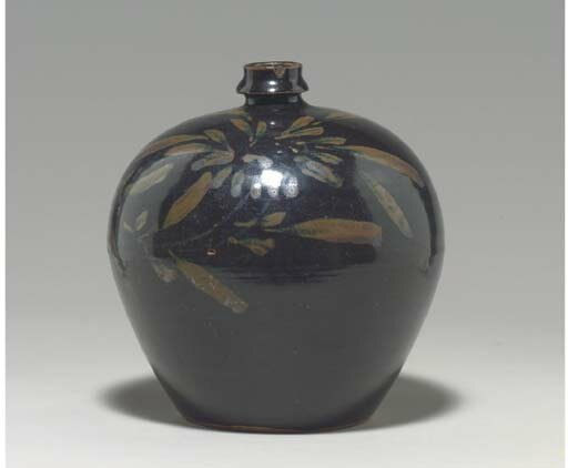 A Cizhou russet-decorated black-glazed ovoid bottle, Jin-Yuan dynasty, 13th century