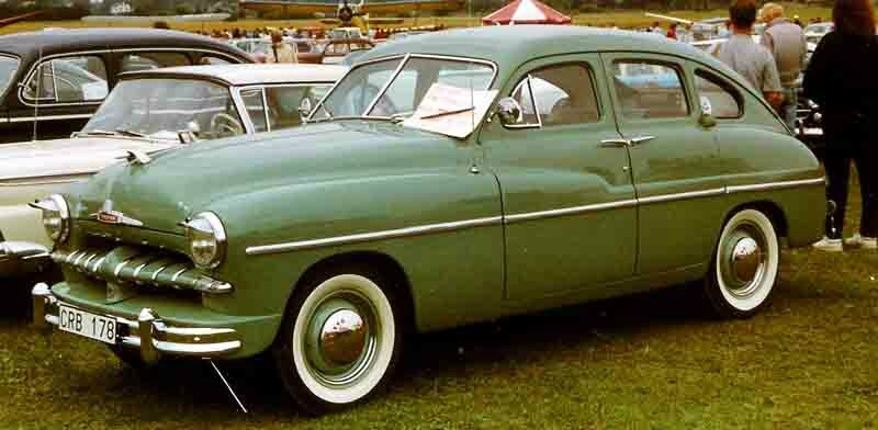 1951_Ford_Vedette_Fordor_Sedan_CRB178