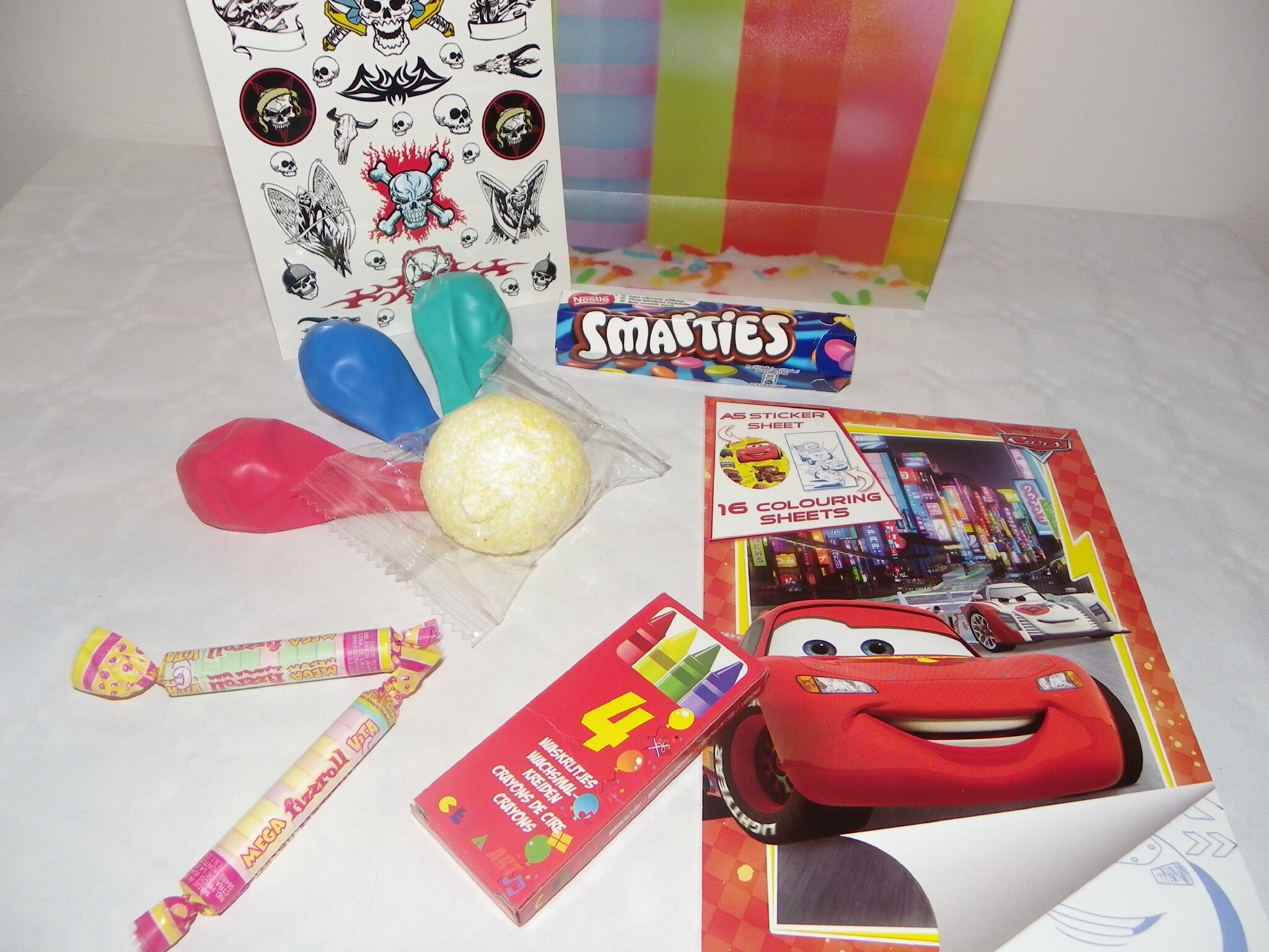 Pochette Surprise Anniversaire.Sachets Surprises Box Toutes Pretes Pour Anniversaire