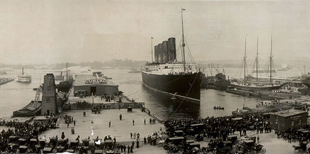 The_Lusitania_at_end_of_record_voyage_1907_LC_USZ62_64956