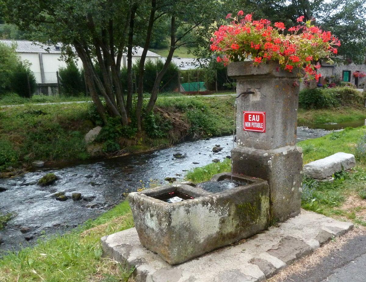fontaine à Besse