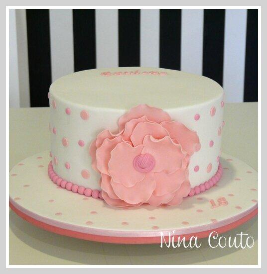 gateau mariage fleur rose nimes 1