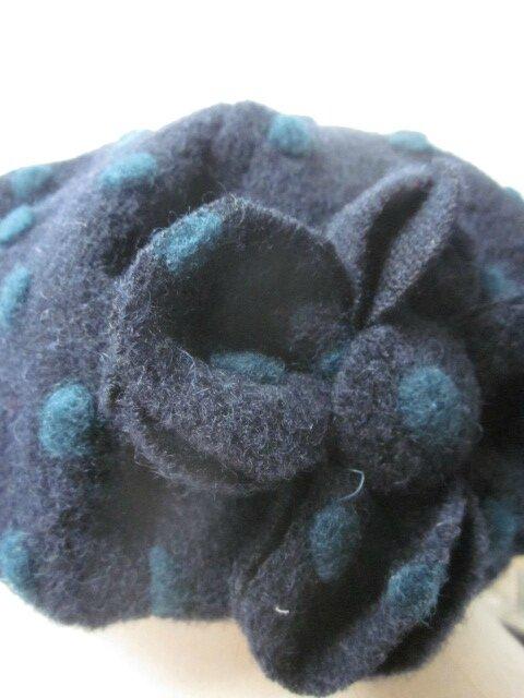 Chapeau AGATHE en maille lainage marine à pois vert sapin - doublure coton marine - taille 57 (5)