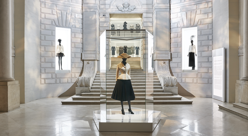 christian-dior_-designer-of-dreams_scenography-4-adrien-dirand-2000x1100