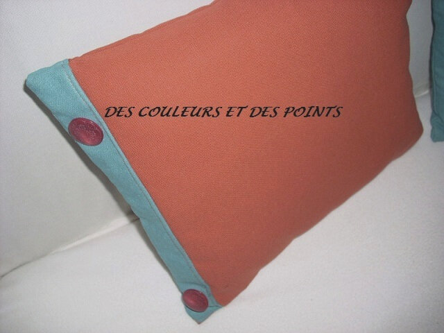 COUSSIN FLEUR BRODEE DETAIL BOUTONS ORANGE
