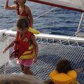 les filles sur le trampoline du cata