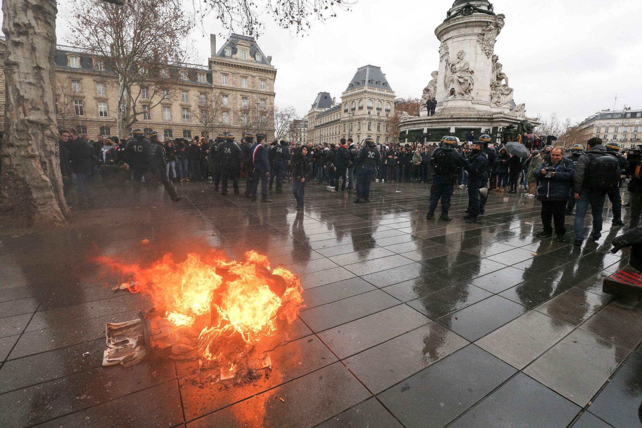 Paris : les lycéens dans la rue. © Michel Stoupak. Ven 07.12.2018, 12h47m03.