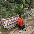 invitation à s'asseoir dans les fleurs yurtao