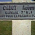 VERDUN cimetière croix Augustin détail