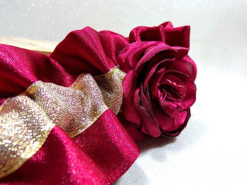 Jarretière de mariée bordeaux satin or doré